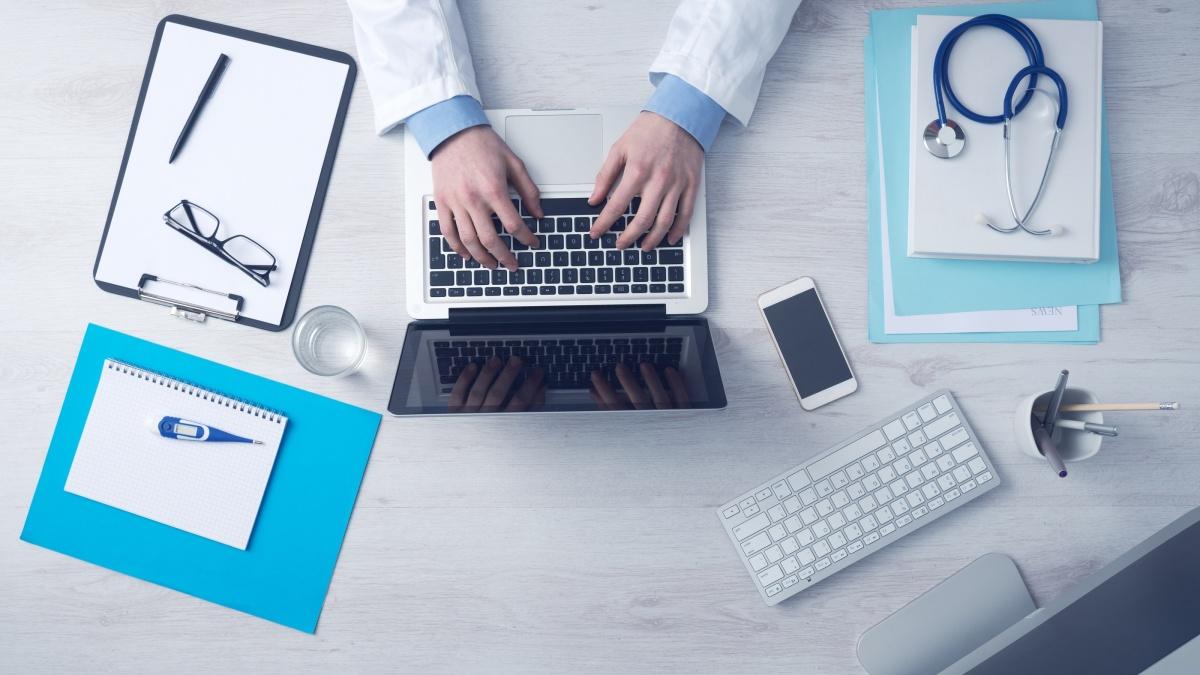 Dopo il tumore: consulti medici online e via telefono.