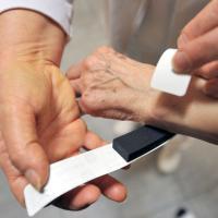 braccialetto-elettronico-anziani